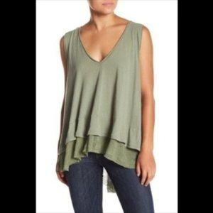 We The Free green linen blend v-neck tank top NWT